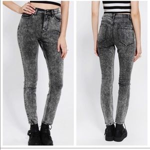 [BDG] Gray Acid Wash High Rise Twig Ankle Jeans